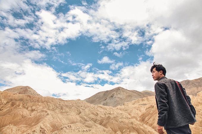 Ladakh - tại sao phải đi một lần trong đờiLadakh là khu vực bí ẩn của đất nước Ấn Độ, đòi hỏi khách du lịch kể cả địa phương hay nước ngoài, khi muốn tham quan toàn bộ vùng đất này đòi hỏi phải chuẩn bị rất nhiều giấy thông hành đặc biệt.Ladakh - tại sao phải đi một lần trong đời - 4
