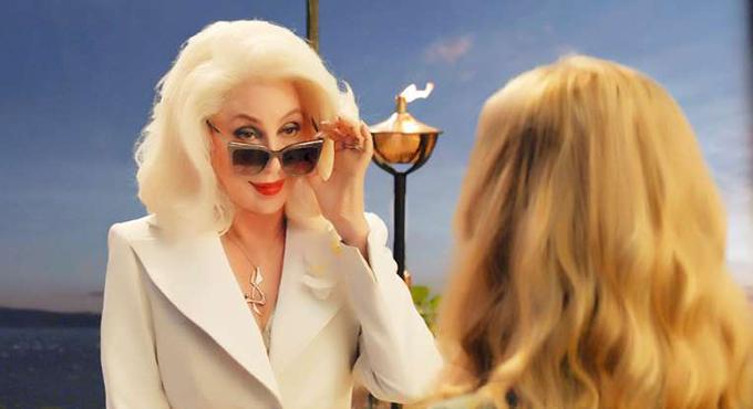 Giọng ca Believe không chỉ gây ấn tượng vì ngoại hình trẻ đẹp mà còn bởi giọng hát quyến rũ khi thể hiện bài Fernando trong bộ phim ca nhạc này. Sau khi tham gia Mamma Mia! Here We Go Again, Cher đã quyết định thực hiện một album cover nhạc của ABBA.