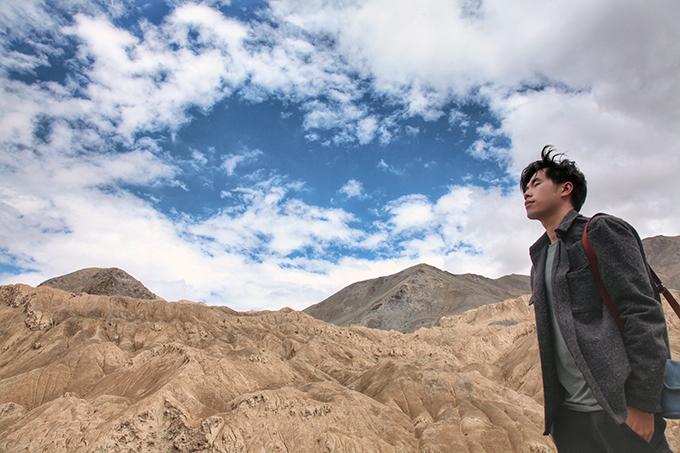 Ladakh - tại sao phải đi một lần trong đờiLadakh là khu vực bí ẩn của đất nước Ấn Độ, đòi hỏi khách du lịch kể cả địa phương hay nước ngoài, khi muốn tham quan toàn bộ vùng đất này đòi hỏi phải chuẩn bị rất nhiều giấy thông hành đặc biệt.Ladakh - tại sao phải đi một lần trong đời - 6