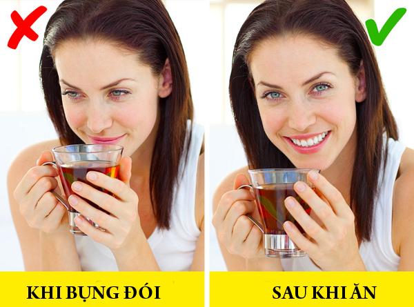 Trà Phổ Nhĩ Phổ Nhĩ là một loại trà nổi tiếng của tỉnh Vân Nam, Trung Quốc. Trà Phổ Nhĩ thuộc họ trà đen, được lên men thông qua phản ứng hóa học giữa các vi khuẩn có lợi và sau đó sấy khô. Một vài nghiên cứu khoa học đã chứng minh rằng, trà Phổ Nhĩ có tác dụng hỗ trợ giảm cân nhờ khả năng ngăn chặn sự tổng hợp chất béo, đồng thời, ổn định lượng đường trong máu. Trà Phổ Nhĩ được khuyên nên uống sau khi đã ăn no.