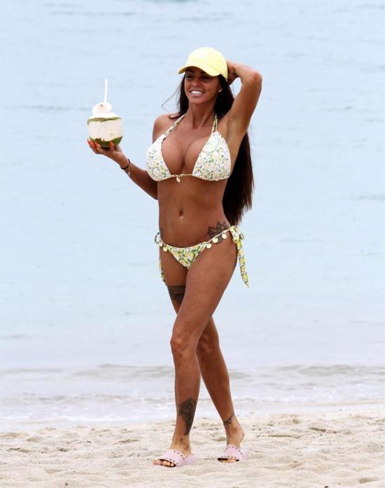 Người mẫu kiêm diễn viên truyền hình Anh đã có 5 con và trải qua hai cuộc hôn nhân đổ vỡ.
