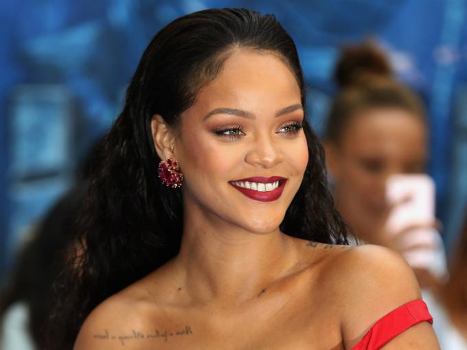 Fan của Rihanna giờ cũng có thể nắm quyền sở hữu bài hát của cô. Ảnh:W Magazine.