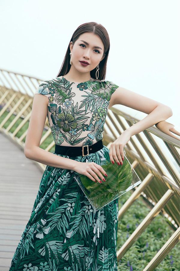 Á hậu Hoa hậu Hoàn vũ Việt Nam 2015 Lệ Hằng. Người đẹp diện