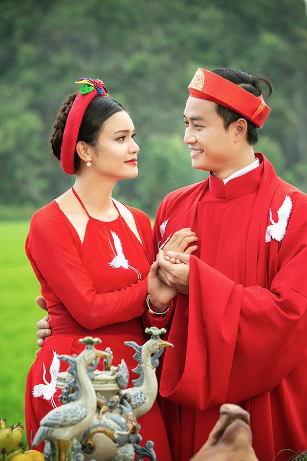 Sao Mai Phương Thảo chuẩn bị cho ra mắt MV Chàng vinh quy. Trong những hình ảnh được êkíp của cô tiết lộ, nữ ca sĩ mời diễn viên Tiến Lộc vào vai phu quân của mình ở sản phẩm âm nhạc mới.