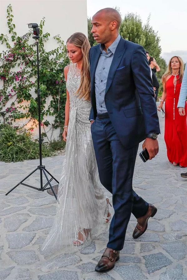 Cựu tuyển thủ Pháp Henry và bạn gái Andrea Rajacic.