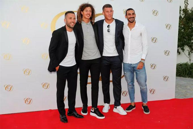 Jordi Alba và loạt cầu thủ Chelsea nhưEthan Ampadu, Ross Barkley,Davide Zappacosta.