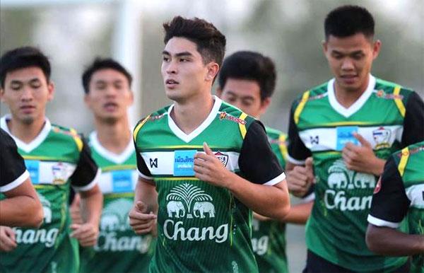 Olympic Thái Lan mang hai cầu thủ lai châu Âu đến Asiad 2018