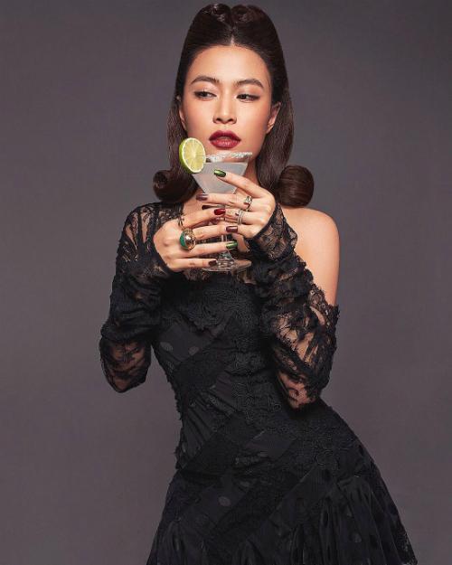 Hoàng Thùy Linh hóa quý cô sang chảnh khi diện cả cây đồ màu đen.