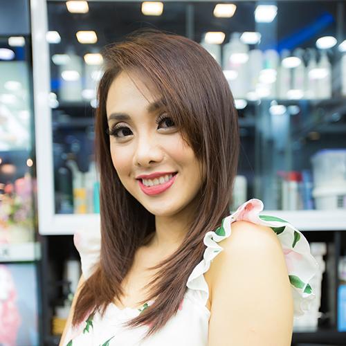Miko Lan Trinh với kiểu tóc so le chiếc lá cổ điển