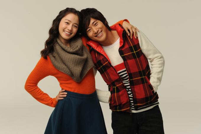 Gương mặt của Kim Tae Hee và Lee Wan có nhiều nét tương đồng.