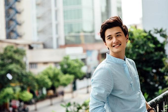 Huỳnh Anh sinh năm 1992, được nhiều người biết tới qua các phim truyền hình: Cả một đời ân oán, Cầu vồng tình yêu, Tình khúc Bạch Dương...