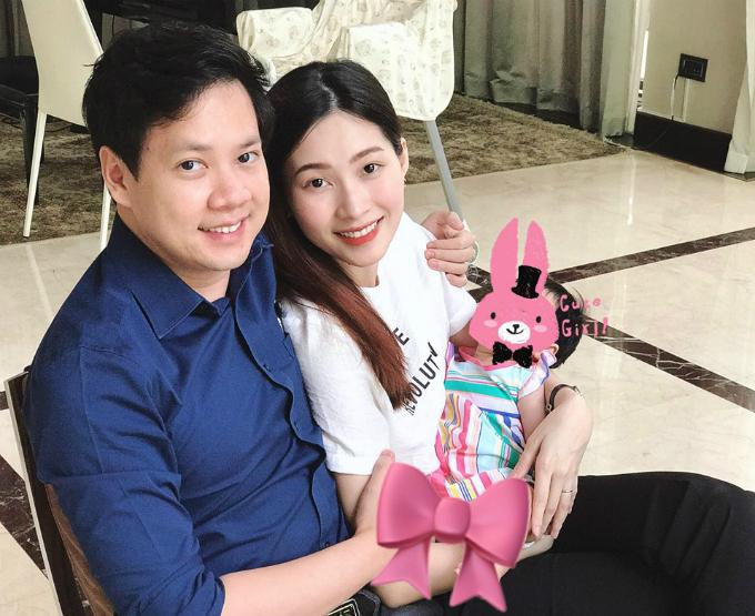 Con gái của vợ chồng Thu Thảo - Trung Tín có tên thân mật là Sophie. Hiện tại, bé được bú sữa mẹ hoàn toàn.