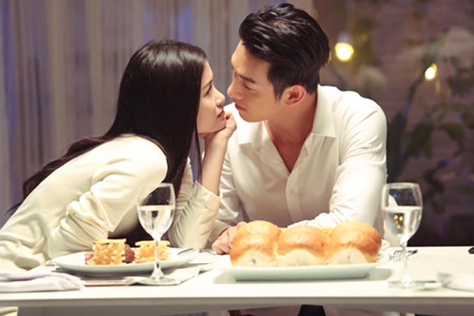Năm 2017, Song Luân lần đầu thử sức diễn xuất khi kết hợp cùng Đông Nhi trong phim ngắn Còn nơi đó chờ em.
