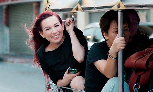 Phi Nhung sang Thái Lan chụp ảnh, quay quảng cáo