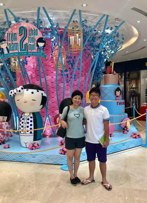 Con trai của MC Thảo Vân và Công Lý lớn phổng phao, cao hơn cả mẹ.