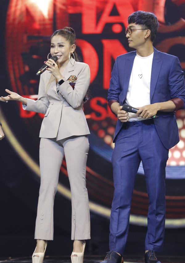 Hai diễn viên được mời tham gia ban bình luận của gameshow Nhạc hội song ca. Sự lém lỉnh, hoạt ngôn của Khả Như và Khương Ngọc khiến chương trình thêm sôi động, hài hước.
