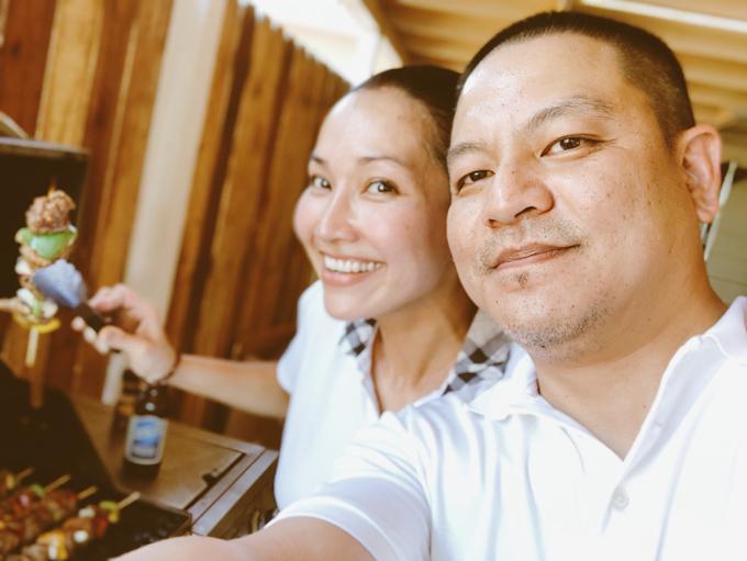 Kim Hiền cho biết tháng 7 có rất nhiều ý nghĩa với gia đình cô. Đây là tháng kỷ niệm ngày vợ chồng cô đăng ký kết hôn, đồng thời cũng là dịp sinh nhật của hai con Sonic và Yvona.Tháng 7 là ngày mà gia đình tôicó những niềm vui cùng mộtlúc. Tất cả là định mệnh của cuộc đời mà thượng đế đã ban tặng cho tôi, cô nói.