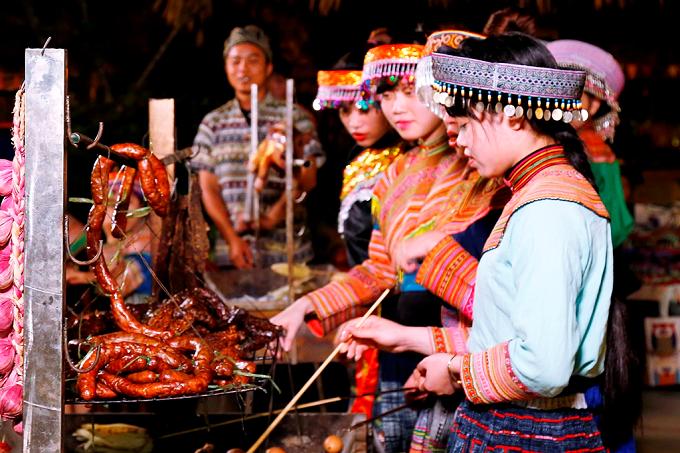 Ngay cả khi không phải là một tín đồ ẩm thực thì những hương vị núi rừng Tây Bắc tại Lễ hội ẩm thực đang diễn ra ở Sun World Fansipan Legend cũng sẽ khiến bạn mê mẩn chẳng muốn về.