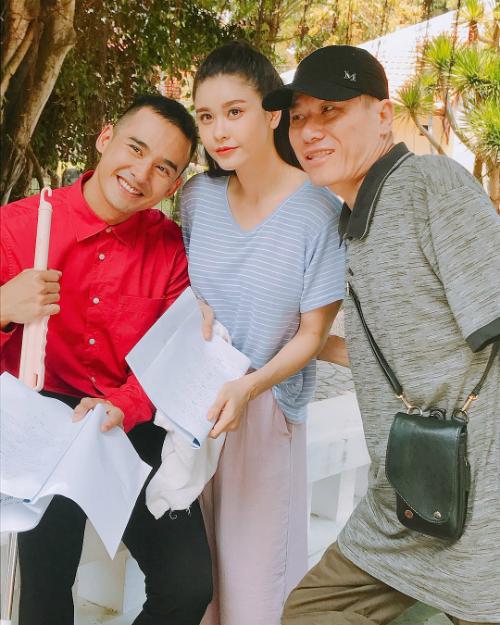 Ảnh hậu trường của Trương Quỳnh Anh và Lương Thế Thành khi cùng tham gia một bộ phim.