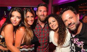 Vợ chồng Messi liên tục gặp người nổi tiếng trong kỳ nghỉ