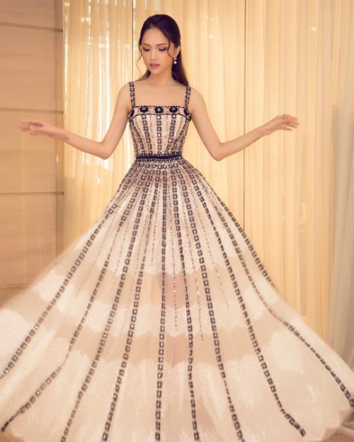 Hoa hậu chuyển giới Hương Giang xinh như công chúa.