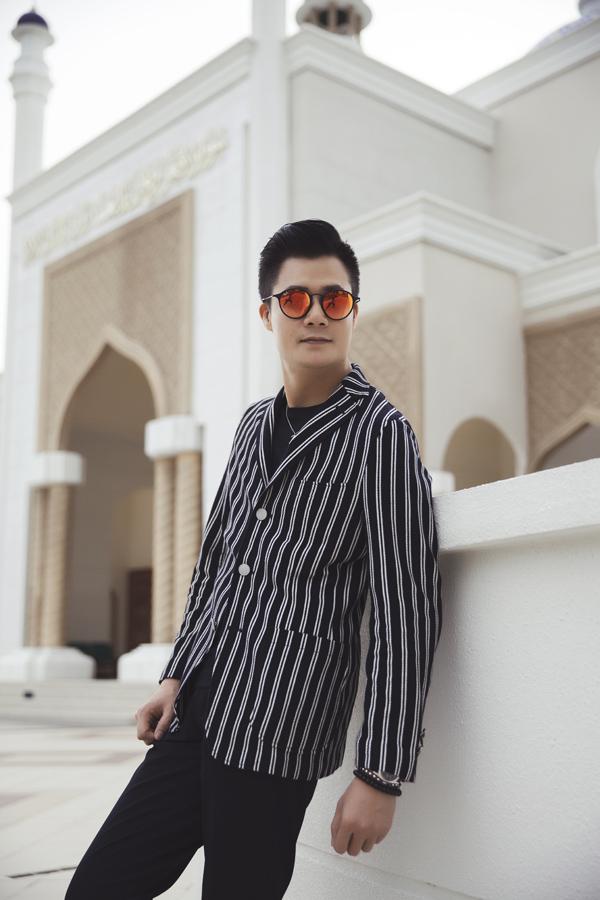 Vừa đặt chân tới sân bay Brunei, Quang Dũng đã bị ấn tượng bởi các công trình mang màu sắc Hồi giáo.