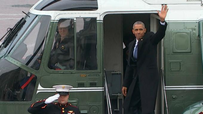 Obama chào tạm biệt Nhà Trắng tháng 1/2017. Ảnh:CNN.