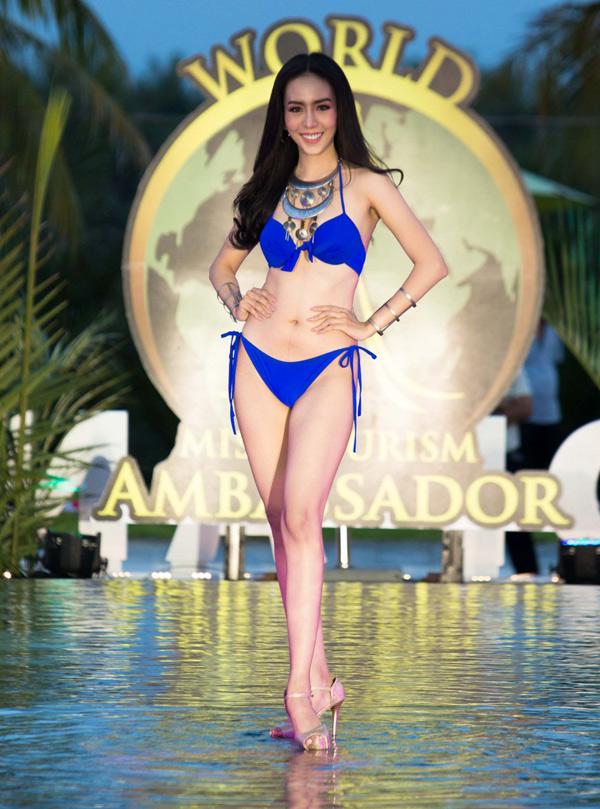 Người đẹp Thái Lan sở hữu vóc dáng cân đối, thần thái tươi trẻ, rạng rỡ.