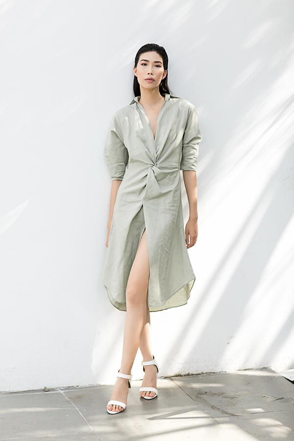 Trong không khí giao mùa, Adrian Anh Tuấn mang đến các mẫu váy có chất liệu và kiểu dáng phù hợp với tiết trời.