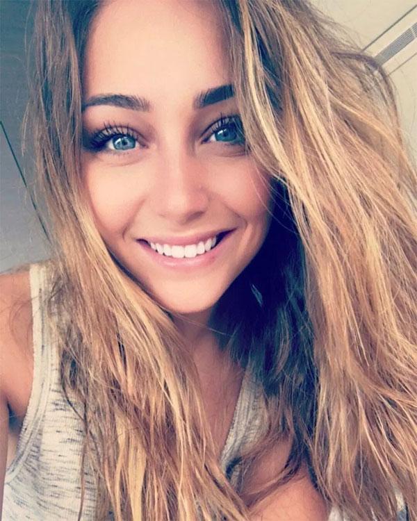 Bạn gái á hậu của tuyển thủ Pháp Thauvin - 4