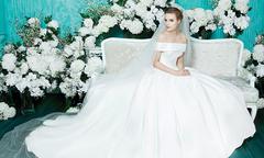 8 mẫu đầm minimalist lấy cảm hứng từ váy cưới của Meghan Markle