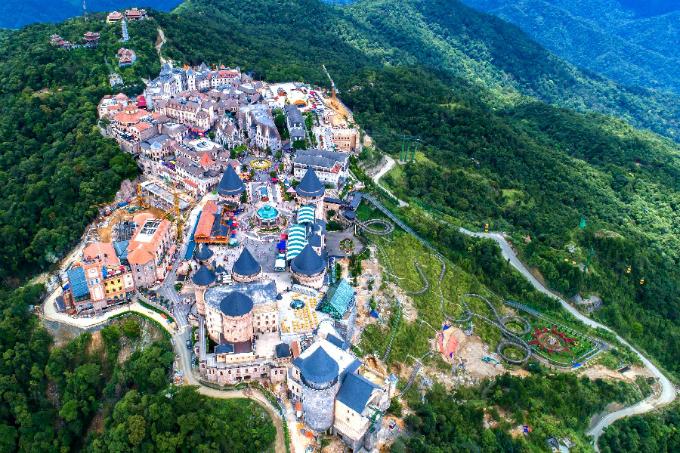 Sun World Ba Na Hills tại Đà Nẵng hiện là một trong những khu vui chơi, giải trí được nhiều gia đình yêu thích.