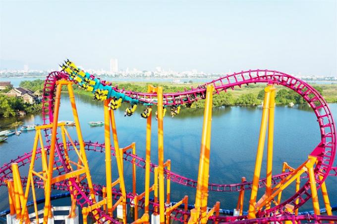 Đó là công viên của những kỷ lục Sun World Danang Wonders tại trung tâm thành phố Đà Nẵng với bộ sưu tập các game đình đám thuộc top đầu các trò chơi cảm giác mạnh thế giới.