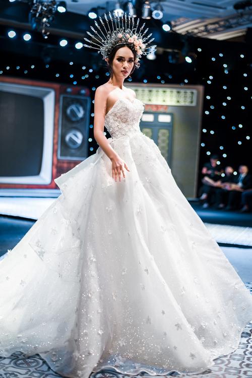 Á hậu Thư Dung và dàn hotgirl đẹp kiêu sa trong váy cưới lấy cảm hứng từ 12 cung hoàng đạo - 10