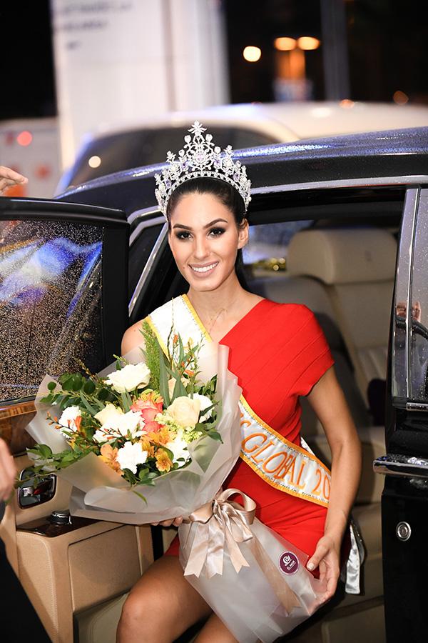 Barbara Vitorelli đăng quang Miss Global 2017. Người đẹp năm nay 25 tuổi, là giáo viên và đang theo học Tiến sĩ tại Đại học Maringa Estadual ởBrazil. Barbara Vitorelli nói được tiếng Tây Ban Nha, Bồ Đào Nha và tiếng Anh.