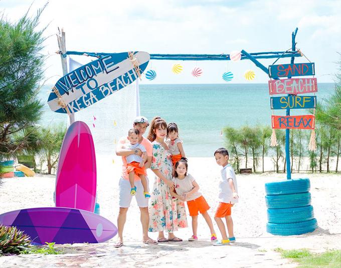 Nhân dịp sinh nhậtbéMio tròn 2 tuổi, cả gia đình Lý Hải Minh Hà lên kế hoạch du lịch ở Kê Gà (Bình Thuận), khám phá ra một khu nghỉ dưỡng mới tinh đang được nhiều người quan tâm.