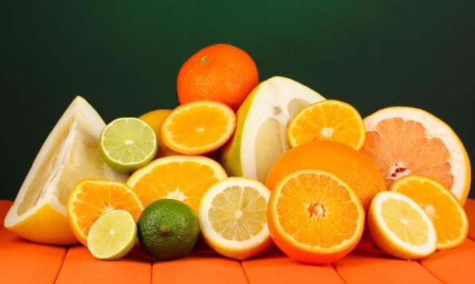 Thành phần dinh dưỡng có trong măng tây, nước dừa, trái cây họ cam, quýt... được coi là tốt cho người bị sỏi thận.