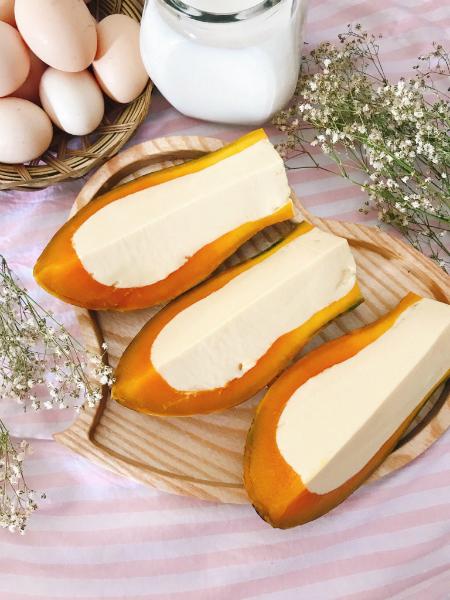 Bánh flan hấp bí đỏ tráng miệng bữa tối