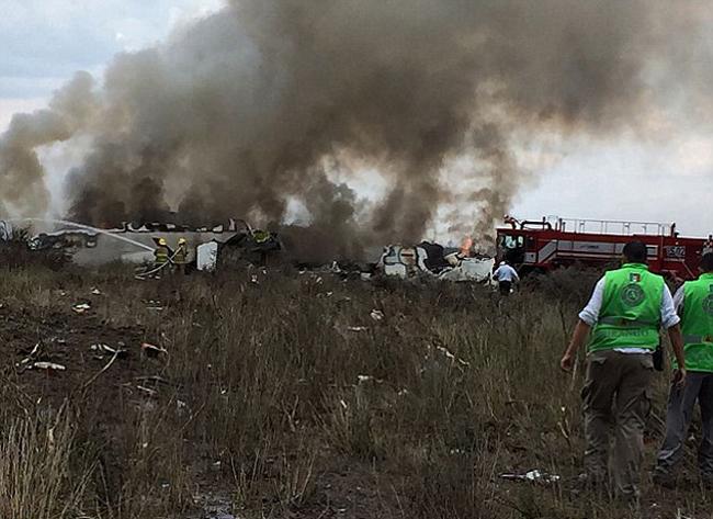 Vụ tai nạn khiến chiếc máy bay bị cháy một phần và bốc khói đen nghi ngút. Lực lượng cứu hộ có mặt kịp thời để sơ tán tất cả phi hành đoàn cùng hành khách ra khỏi máy bay, đảm bảo không ai bị mắc kẹt. Đồng thời, lính cứu hỏa cũng hoạt động hết công suất để dập tắt đám cháy.