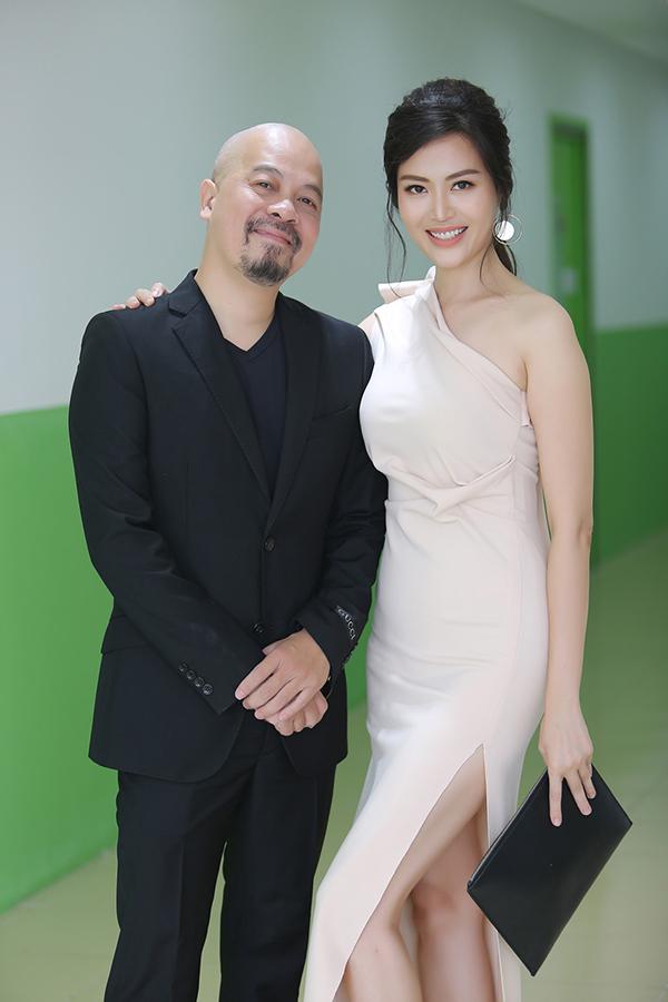 Nhà thiết kế Đức Hùng cũng là một trong những giám khảo của cuộc thi.