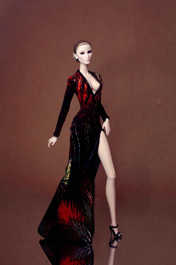 Theo Minh Tú, cắt may đồ cho các bé fashion royalty giúp mình có thêm nhiều ý tưởng khi bắt tay thực hiện trang phục đi tiệc cho người lớn.