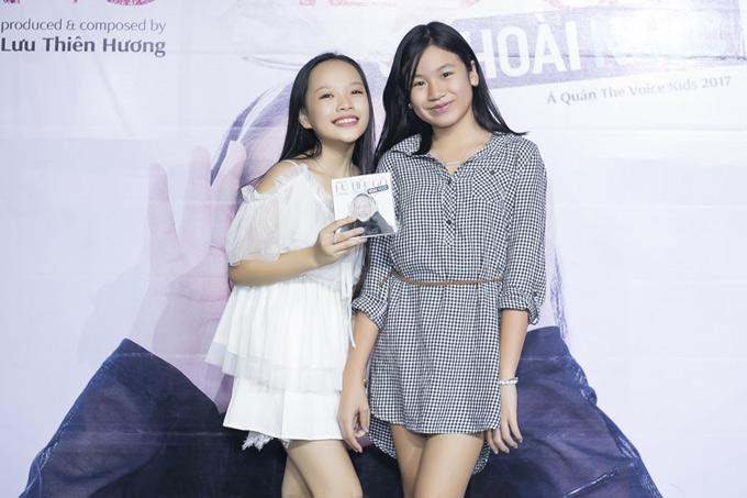 Con gái của nhạc sĩ là bé Mimi cũng khá thân thiết với Hoài Ngọc.