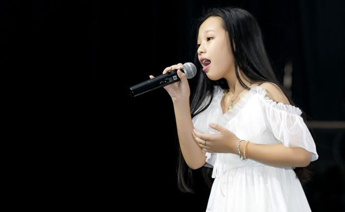 Bé Hoài Ngọc biểu diễn live tại sự kiện. Giọng ca nhí gây ấn tượng khi lên những nốt cao rất thoải mái, không kém các đàn anh, đàn chị. Ca khúc Hủ tiếu gõ từng được Hoài Ngọc thể hiện tại chung kết The Voice Kids 2017. Album mới của giọng ca nhí do nhạc sĩ Lưu Thiên Hương sản xuất. Cả 6 ca khúc Hủ tiếu gõ, Nội, cha và nó, Cây đàn tróc sơn, Tết trên bản, Tháng giêng, Đồ chơi đất đều do nhạc sĩ sáng tác.