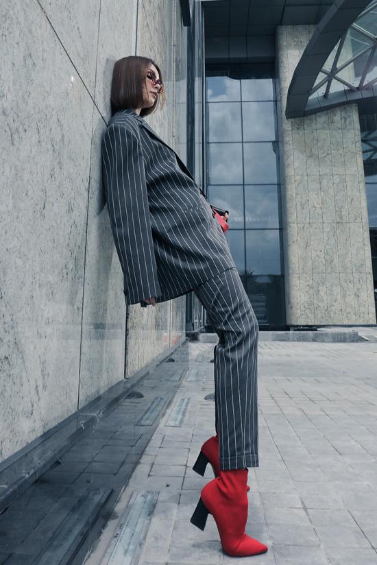 Mlee kéo dài đôi chân nhờ loạt trang phục hợp mốt - 9
