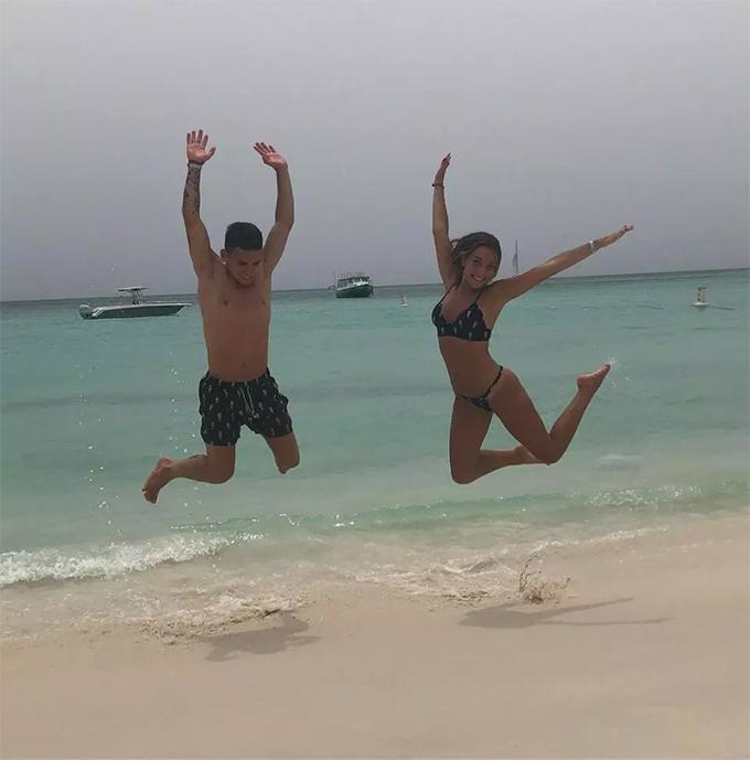 Torreira vàVittoria từng cùng nhauvượt qua nhiều sóng gió nhưng việc anh chuyển tới Arsenal sẽ là một thử thách không nhỏ đối với tình yêu của hai người vì khoảng cách địa lý.