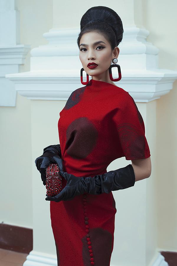 Trương Thị May được hai nhà thiết kế lựa chọn để truyền tải vẻ đẹp của bộ sưu tập Domino 68.