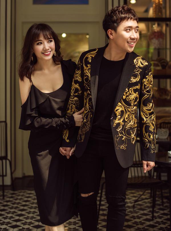 Trấn Thành đang có cuộc sống hạnh phúc bên bà xã người Hàn Quốc. Cả hai hiện là những nghệ sĩ nổi tiếng, đắt show của làng giải trí. Hari Won thừa nhận, ông xã hỗ trợ, góp ý cho cô nhiều trên con đường phát triển sự nghiệp nghệ thuật tại quê cha.