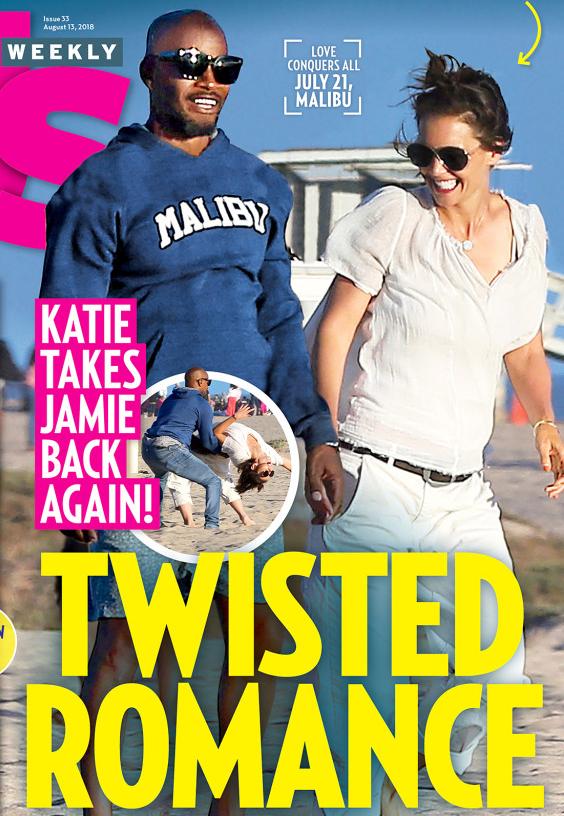 Jamie và Katie khiêu vũ, vui đùa trên bãi biển Malibu ngày 21/7.
