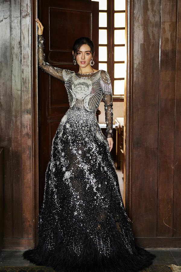 Đỗ Long giới thiệu loạt váy dạ hội đính kết kỳ công