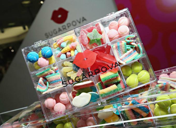 Sharapova muốn thổi cá tính vào sản phẩm, chẳng hạn kẹo dẻo Sugarpova có hính bóng tennisnhiều sắc màu. Ảnh:Forbes.